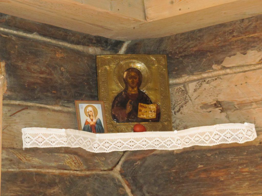 Eine Ikone, wie man sie zuhause in der krasnyj ugol (schönen Ecke) aufgestellt hat